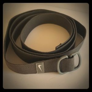 Nike gray canvas adjustable  belt